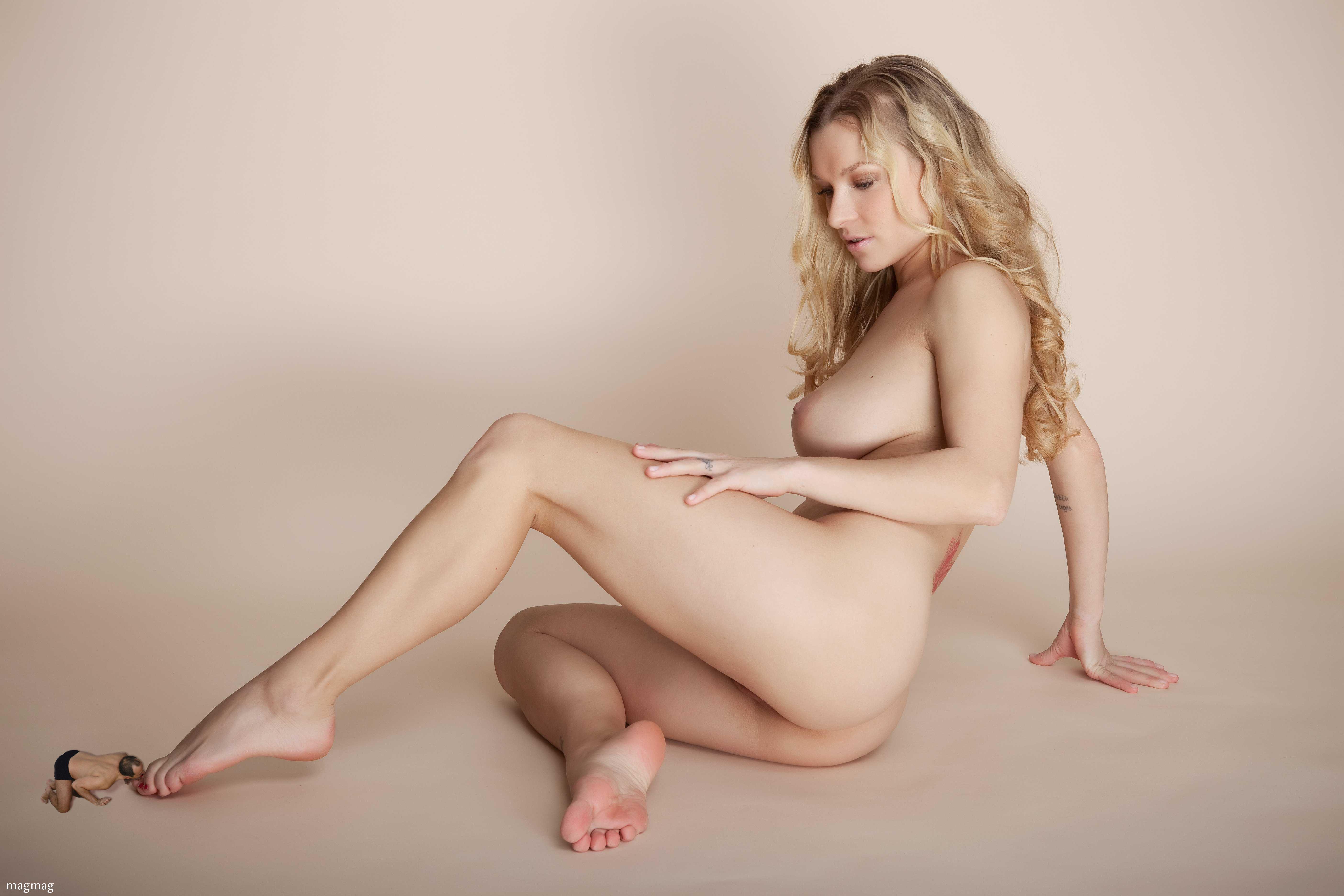 Man Nude Nude Penis Pussy Shrunken Man Shrunken Women ...